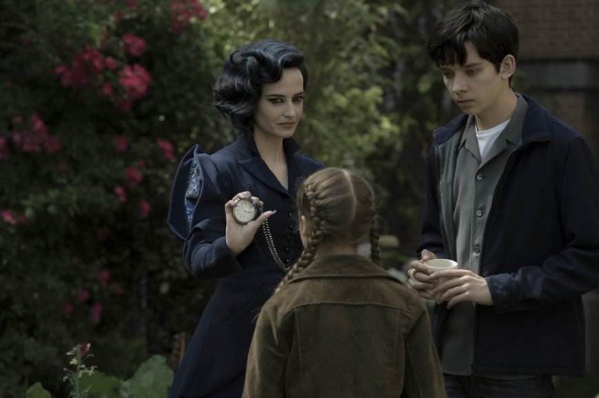 Miss_Peregrines_Home_for_Peculiar_Children-kadr-4