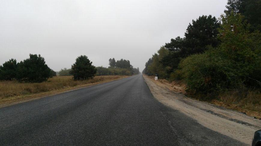 На Херсонщине кипит ремонт дорог: уже заасфальтировали участок трассы М-14, фото-1