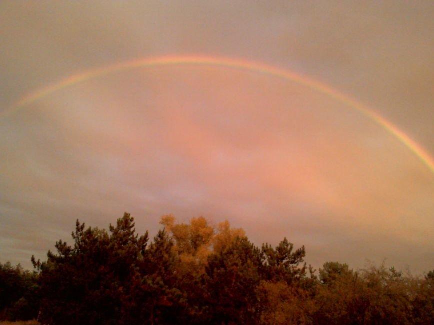 В соцсетях массово публикуют фото радуги над Запорожьем, фото-6