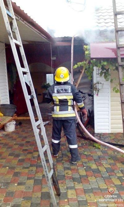 На Тернопільщині через коротке замикання ледь не згорів будинок (фото), фото-1