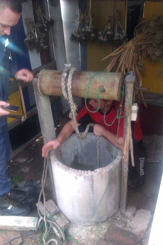 В Бахмутском районе женщина пыталась утопиться в колодце, фото-2