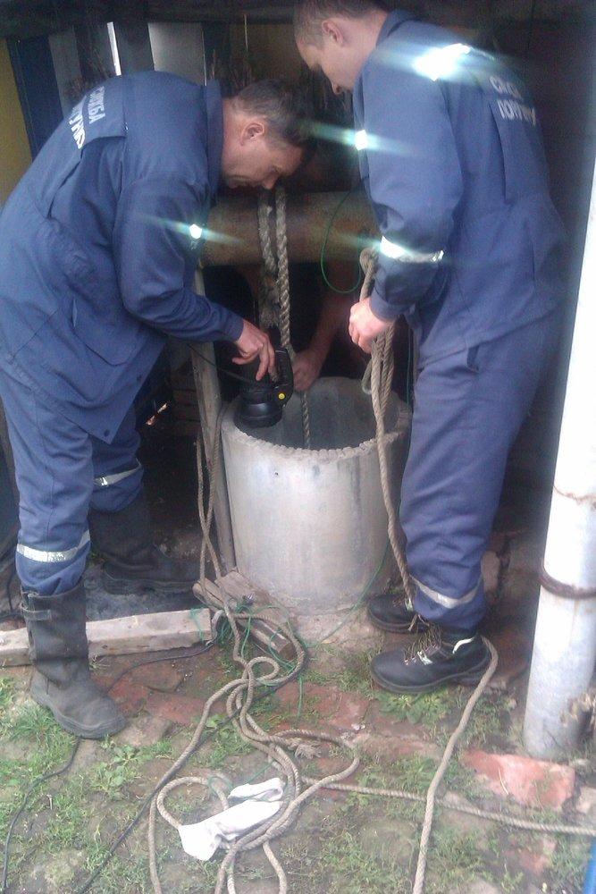 В Бахмутском районе женщина пыталась утопиться в колодце, фото-1