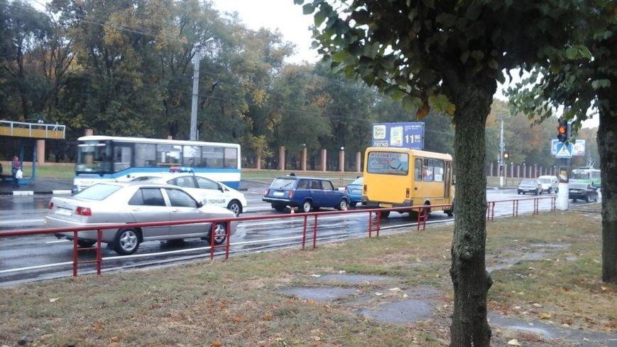 "В Кропивницком ""ВАЗ"" догнал иномарку (ФОТО), фото-1"