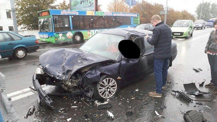 Серьезная авария в Гродно: рядом со стеклозаводом  в лобовую столкнулись две иномарки, фото-5