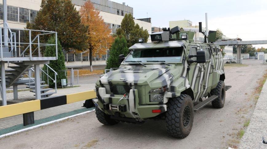 На КрАЗе создан беспилотный броневик, управляемый при помощи планшета (ФОТО), фото-3