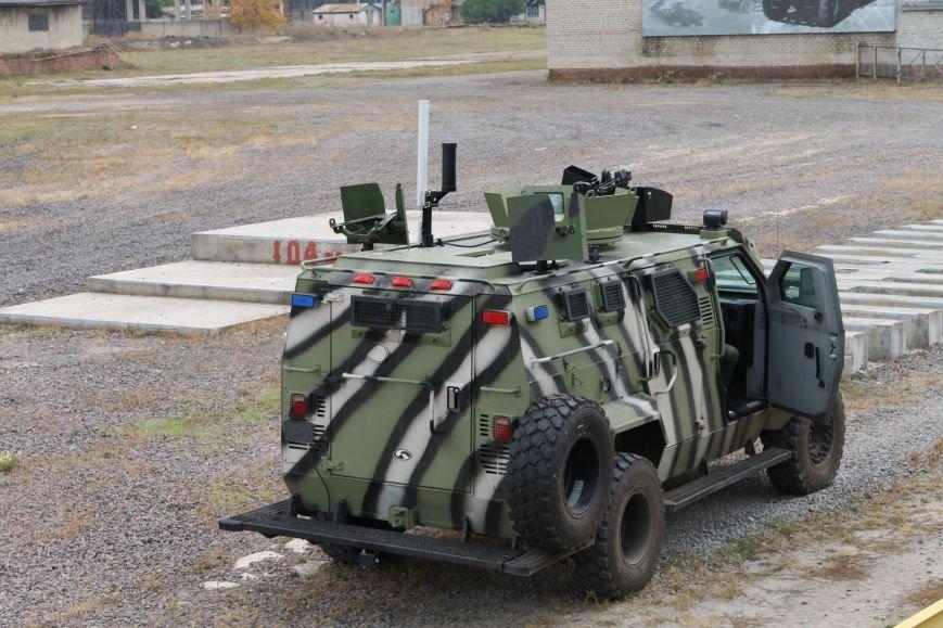 На КрАЗе создан беспилотный броневик, управляемый при помощи планшета (ФОТО), фото-4