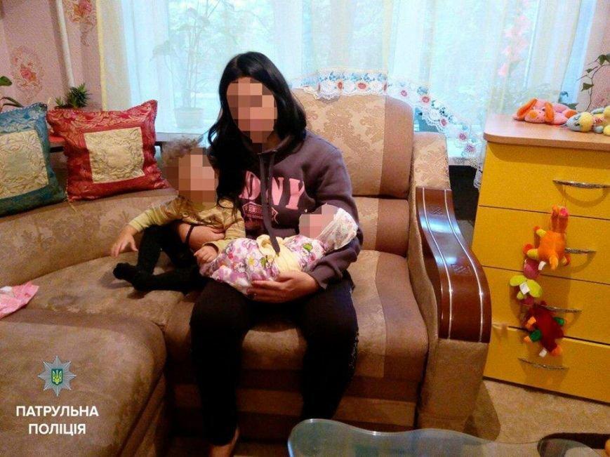 В Запорожье девушка с маленьким ребенком на руках устроила уличную драку, - ВИДЕО, фото-1