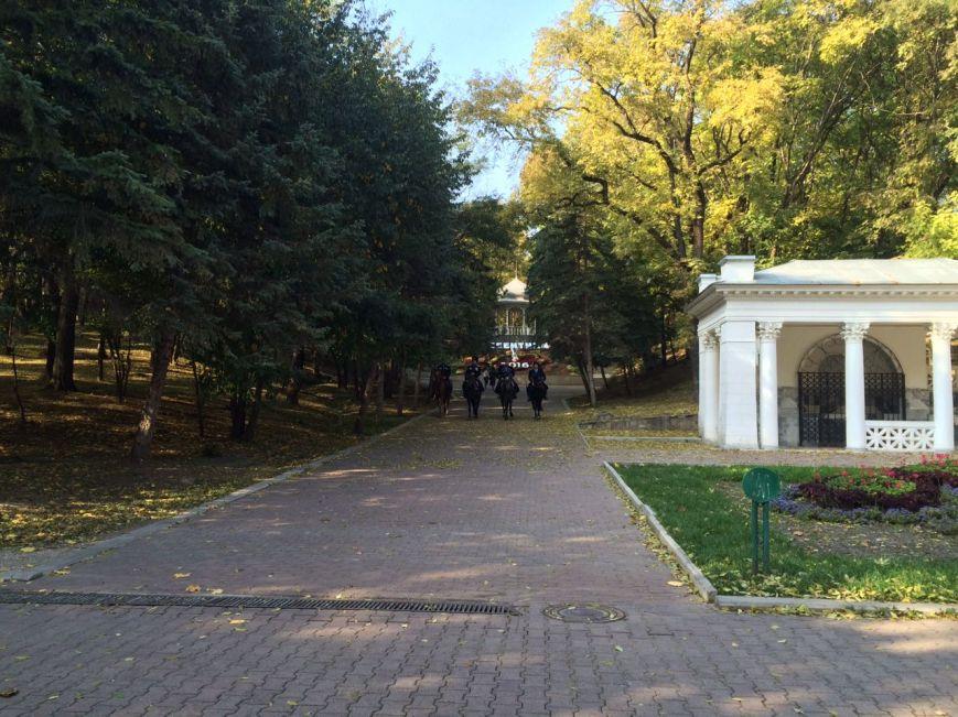Казачий патруль в Ессентукском парке, фото-1