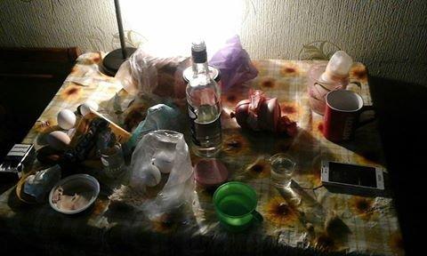 Через зловживання алкоголем у молодої конотопчанки відібрали дитину, фото-1