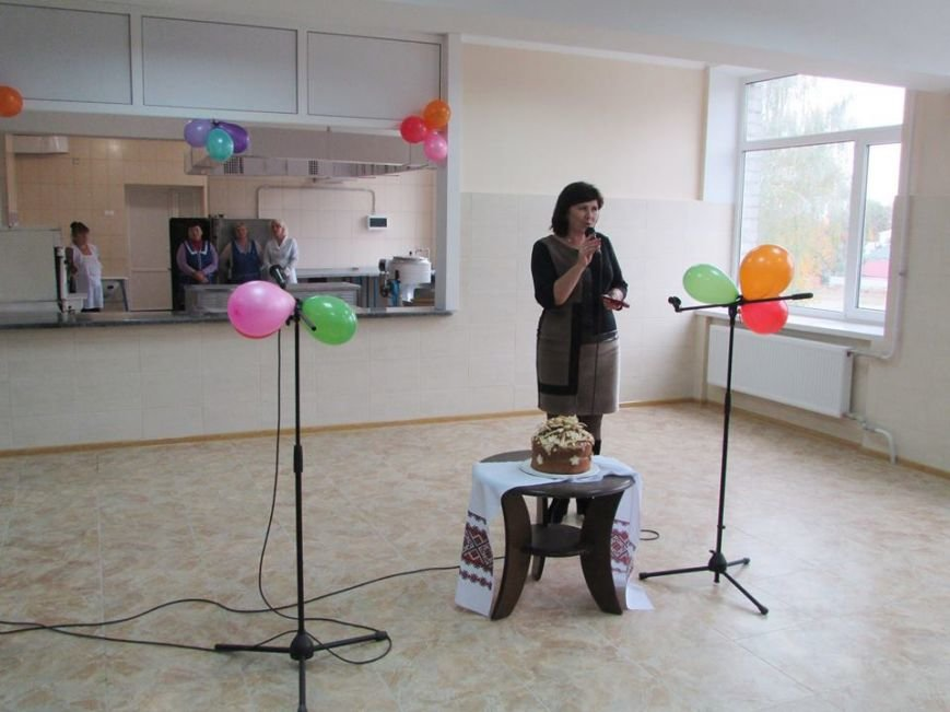Відбулося урочисте відкриття шкільної їдальні в Новоград-Волинській спеціалізованій школі І-ІІІ ступенів №4, фото-2