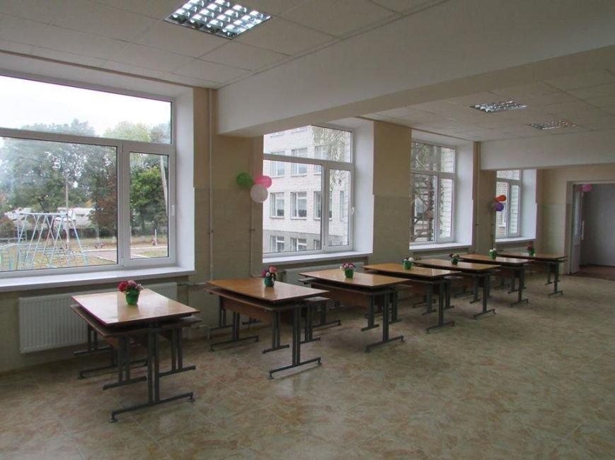 Відбулося урочисте відкриття шкільної їдальні в Новоград-Волинській спеціалізованій школі І-ІІІ ступенів №4, фото-7