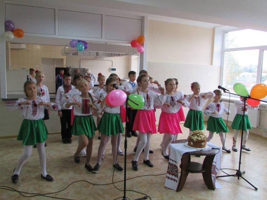Відбулося урочисте відкриття шкільної їдальні в Новоград-Волинській спеціалізованій школі І-ІІІ ступенів №4, фото-4