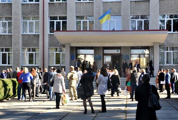 Вчора на Буковині мінували будівлю РДА (ФОТО), фото-1