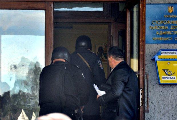 Вчора на Буковині мінували будівлю РДА (ФОТО), фото-2
