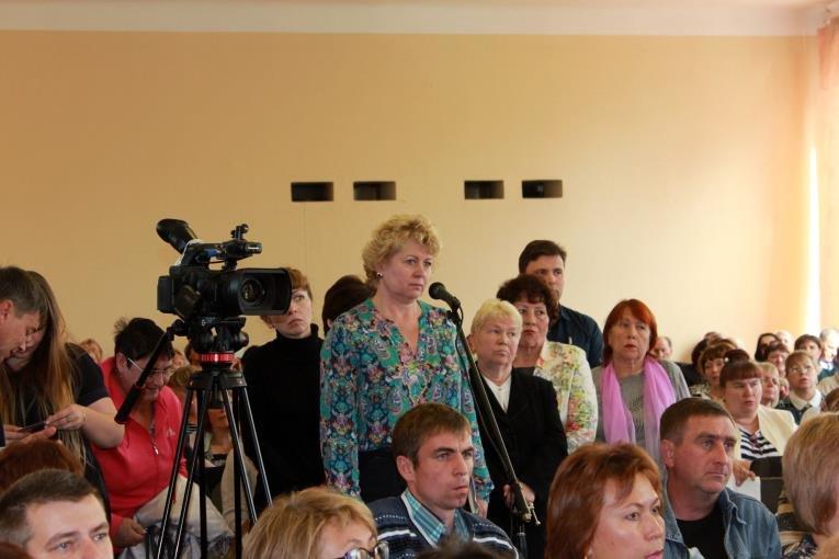 Встреча профсоюзного актива с сахалинским губернатором прошла при полном аншлаге, фото-4