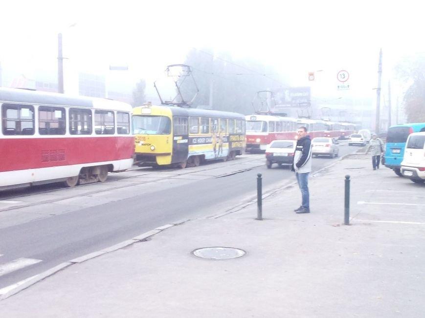 На Гагарина трамвай врезался в автобус: есть пострадавшие (ФОТО), фото-4