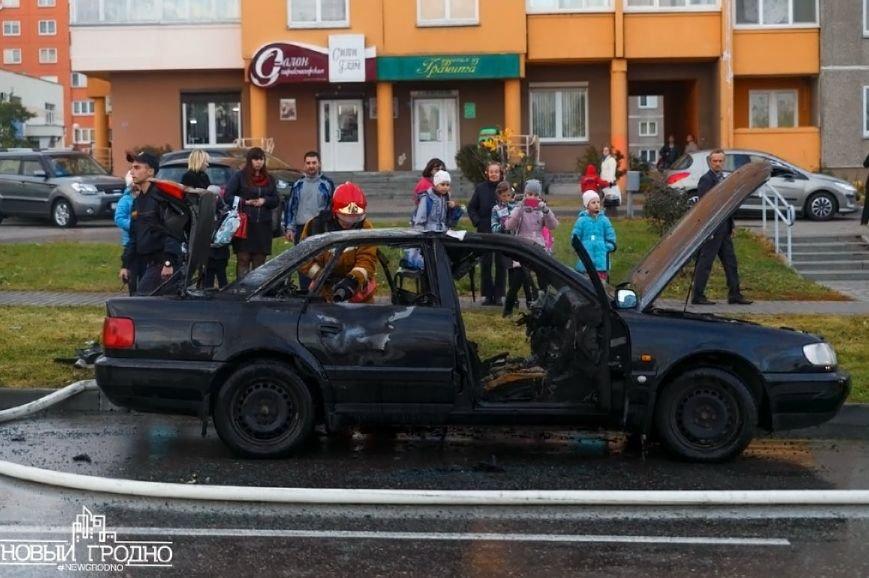 В Гродно во время движения загорелась Ауди A6, фото-2
