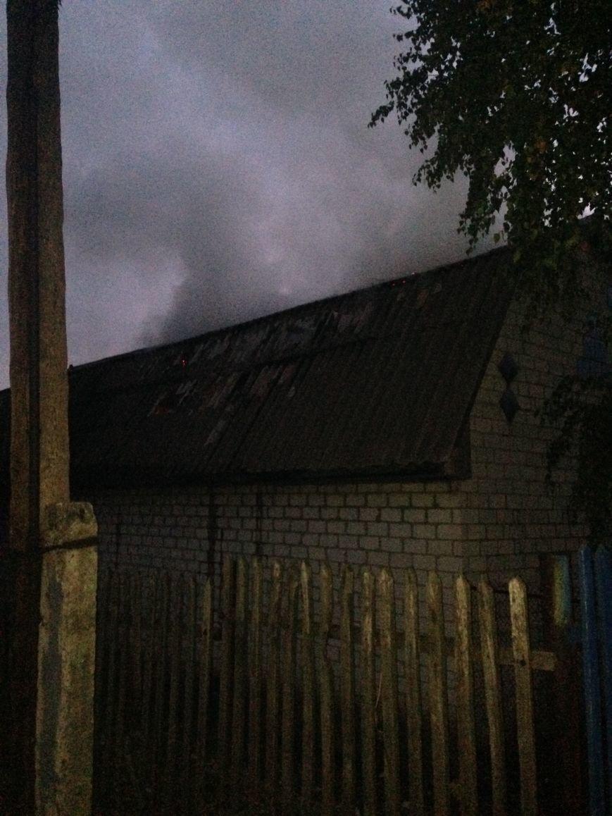 В Кременчугском районе горело сенохранилище - хозяйка лишилась 5,5 тонн сена, фото-1