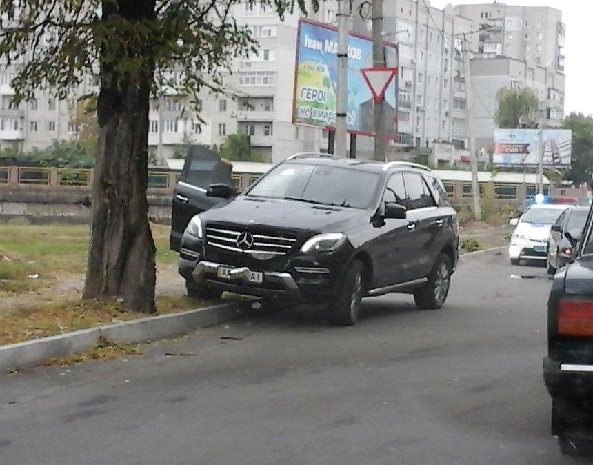 "ДТП в Кропивницком: ""Mitsubishi"" VS элитный Mercedes-Benz (ФОТО), фото-1"