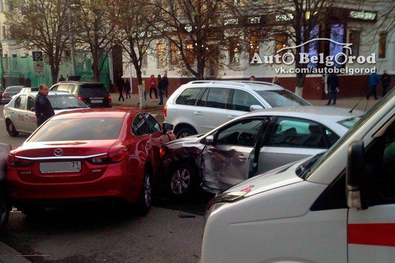НаБелгородчине встрашном ДТП погибли двое, еще четверо получили травмы