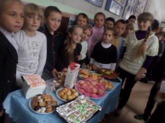 Осінній благодійний ярмарок «Щедрий урожай» в Новоград-Волинській школі №2, фото-1