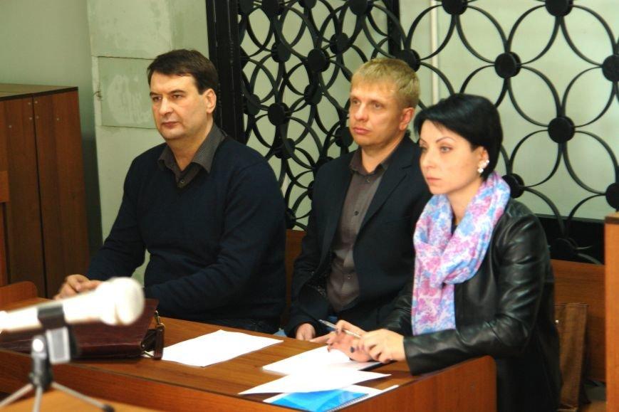 В Покровске (Красноармейске) продолжился суд по делу Родинского городского головы, фото-4