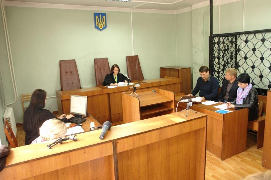 В Покровске (Красноармейске) продолжился суд по делу Родинского городского головы, фото-3