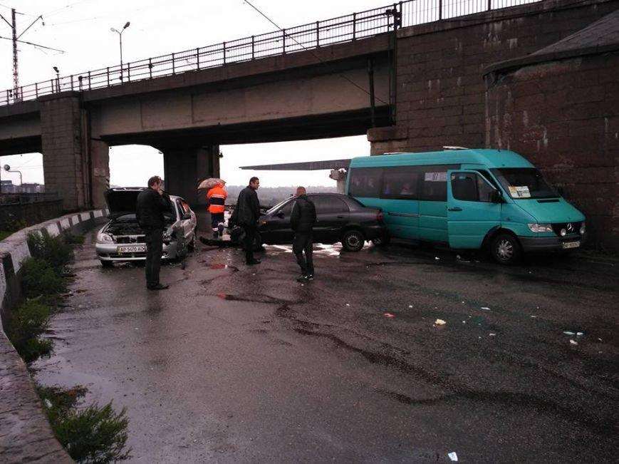 В Запорожье на мосту Преображенского - тройное ДТП: движение перекрыто, - ФОТО, фото-2