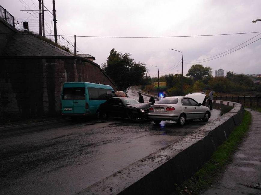 В Запорожье на мосту Преображенского - тройное ДТП: движение перекрыто, - ФОТО, фото-1