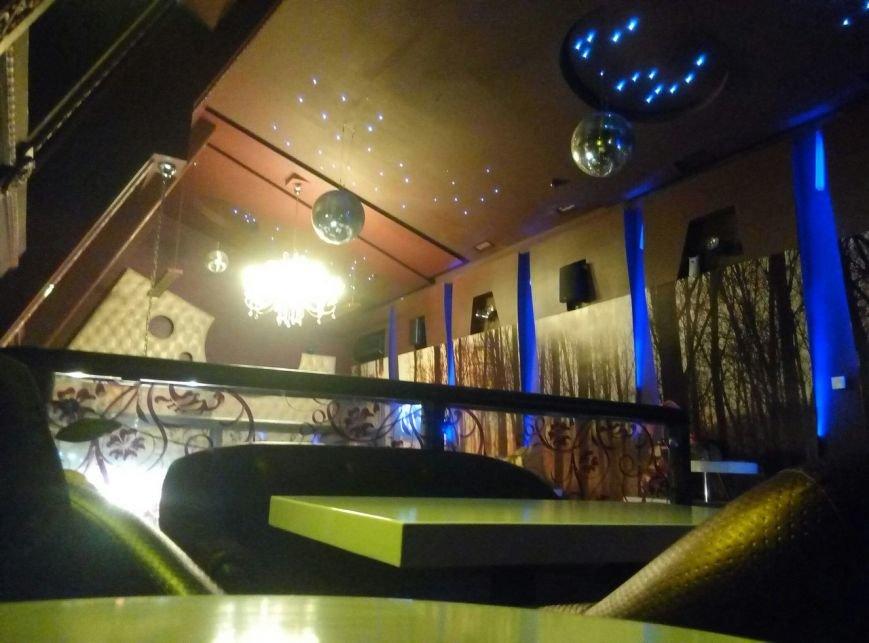 """Поесть на 100 грн: """"Creme"""" - экзотические чаи, пережаренный шницель и звездный диско-потолок (ФОТО), фото-3"""