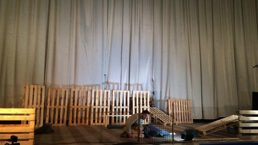 На Сихові з'явився перший театр: фоторепортаж, фото-1