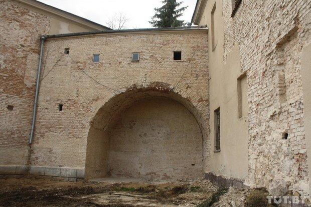 Реконструкция Старого замка в Гродно уже год как приостановлена: власти говорят, что нет денег, фото-1