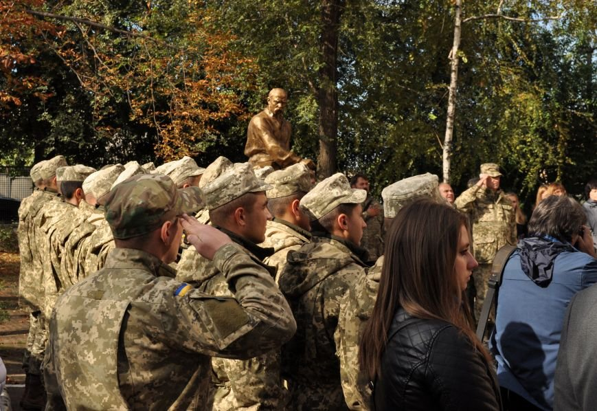 В Запорожье открыли мемориальную доску погибшим воинам 55-й артбригады, - ФОТО, фото-5