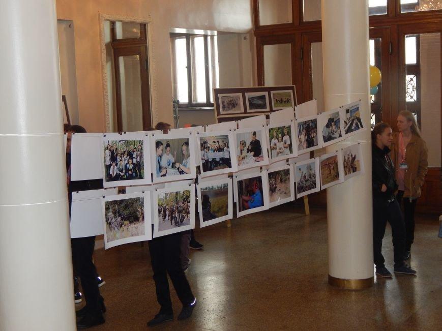 Добропольские лиговцы побывали на большом концерте в честь Дня будущих полицейских (ФОТО+ВИДЕО), фото-4
