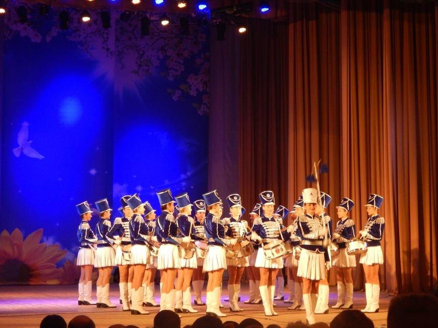 Добропольские лиговцы побывали на большом концерте в честь Дня будущих полицейских (ФОТО+ВИДЕО), фото-3