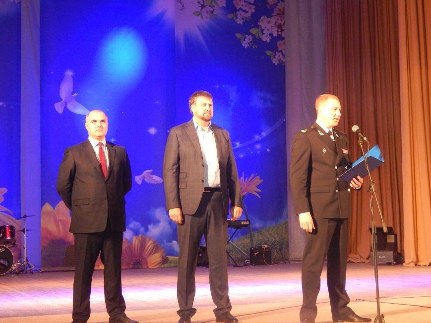 Добропольские лиговцы побывали на большом концерте в честь Дня будущих полицейских (ФОТО+ВИДЕО), фото-1