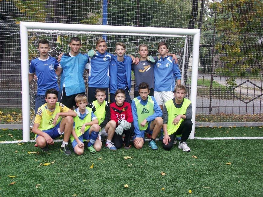 В Днепре любительские команды соревновались в мини-футболе (ФОТО), фото-1