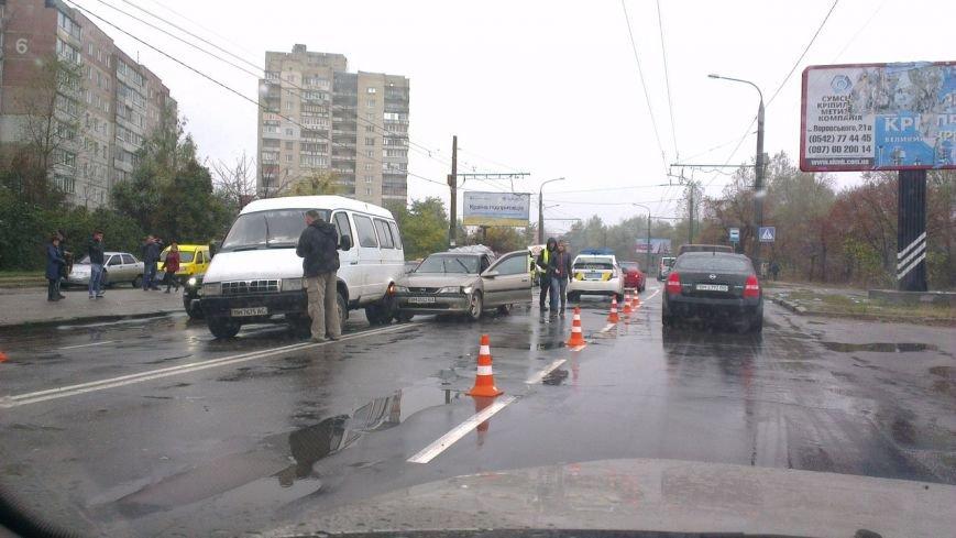 В Сумах ДТП: столкнулись 4 автомобиля (ФОТО), фото-1