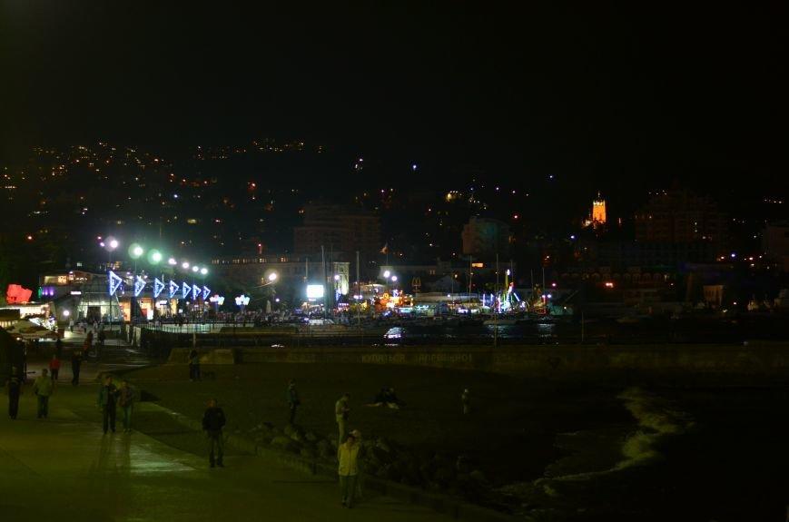 В Крыму хоть и завершился бархатный сезон, а туристов меньше не становится (ФОТОФАКТ), фото-2