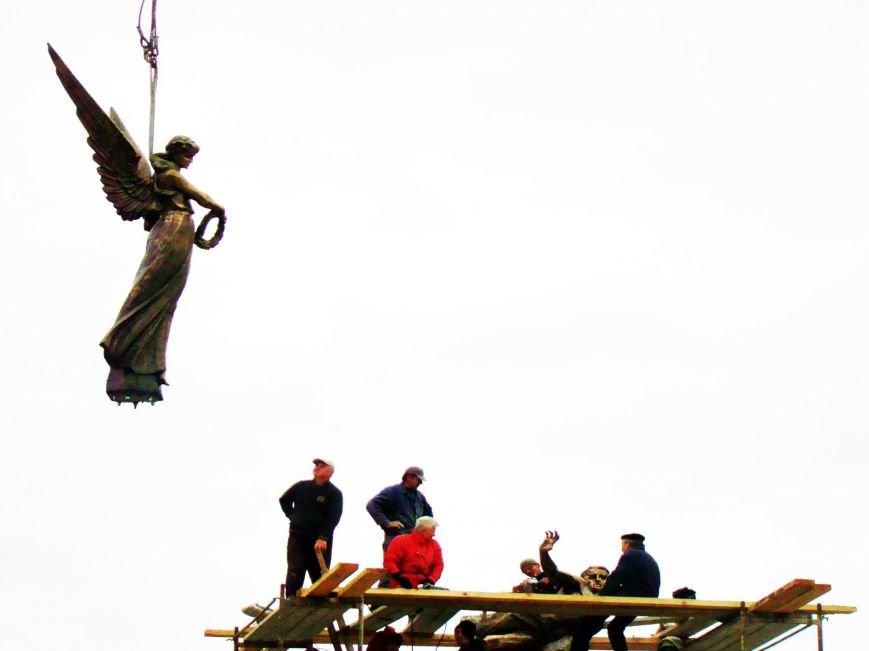 Як у Тернополі встановлюють пам'ятник Героям Небесної сотні (Фоторепортаж), фото-8