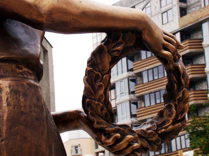 Як у Тернополі встановлюють пам'ятник Героям Небесної сотні (Фоторепортаж), фото-3