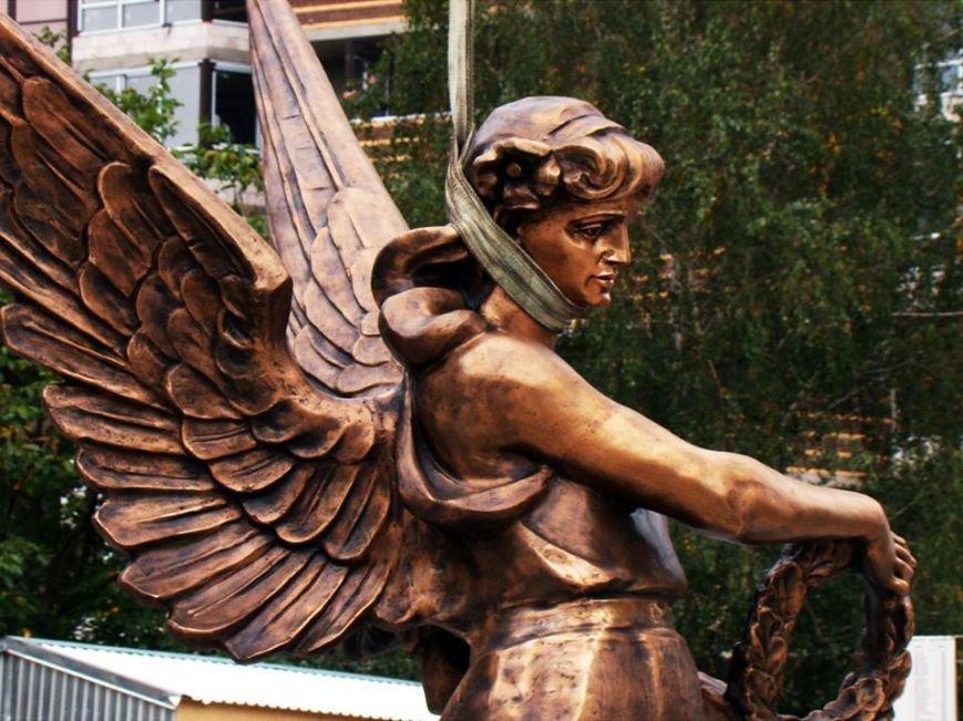 Як у Тернополі встановлюють пам'ятник Героям Небесної сотні (Фоторепортаж), фото-2