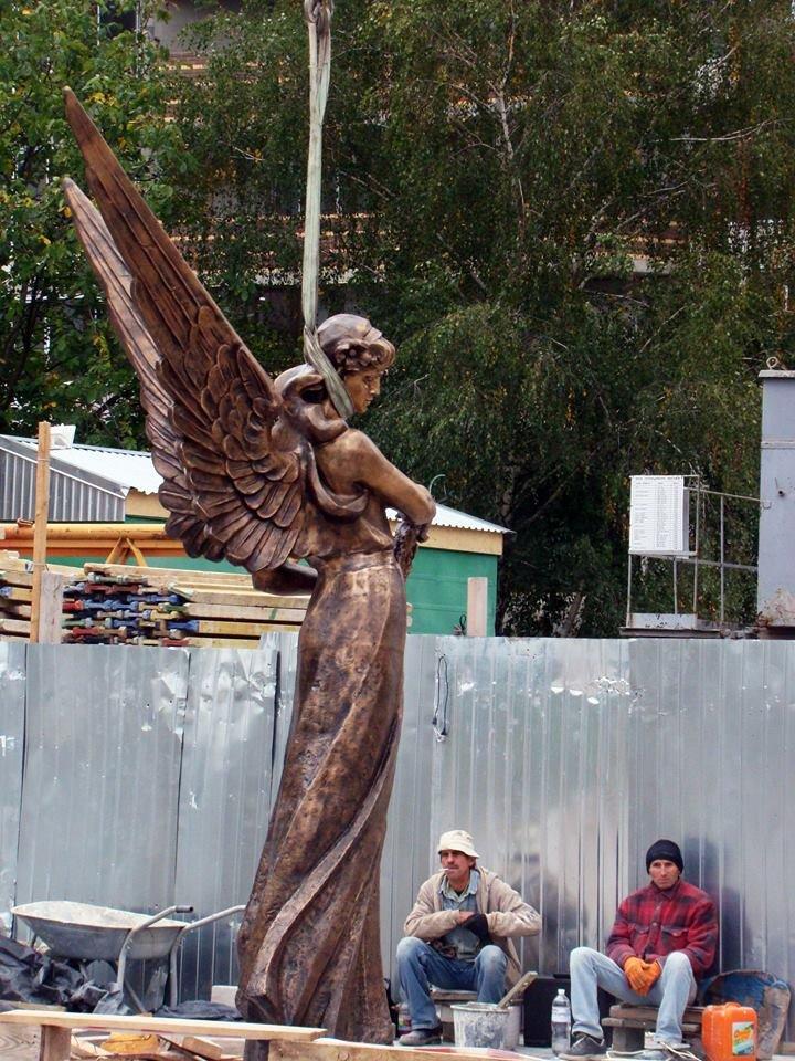 Як у Тернополі встановлюють пам'ятник Героям Небесної сотні (Фоторепортаж), фото-5