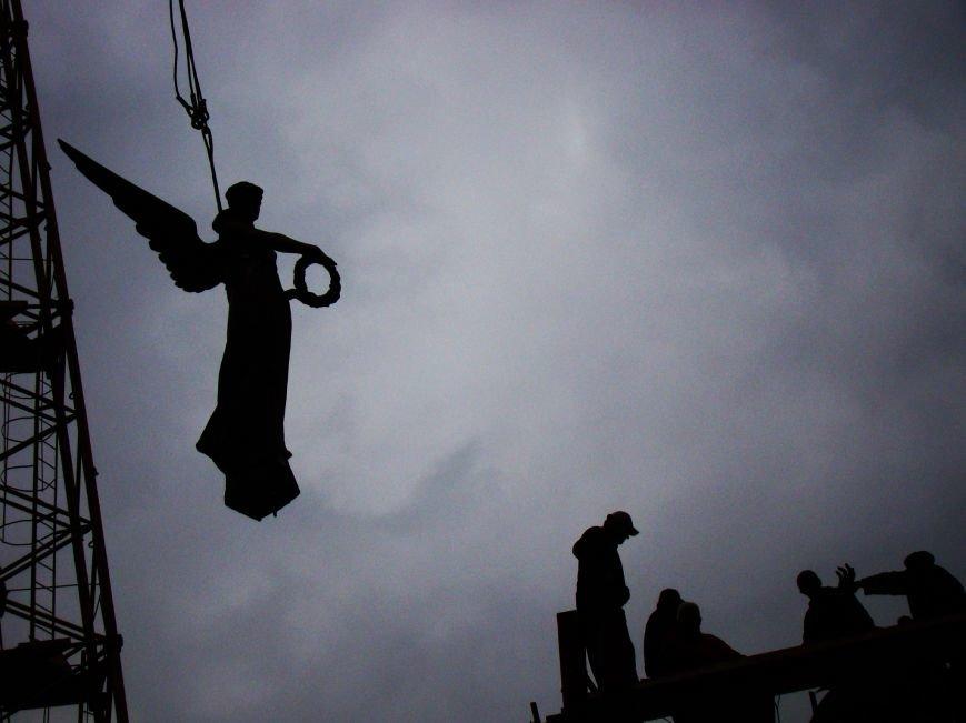 Як у Тернополі встановлюють пам'ятник Героям Небесної сотні (Фоторепортаж), фото-6