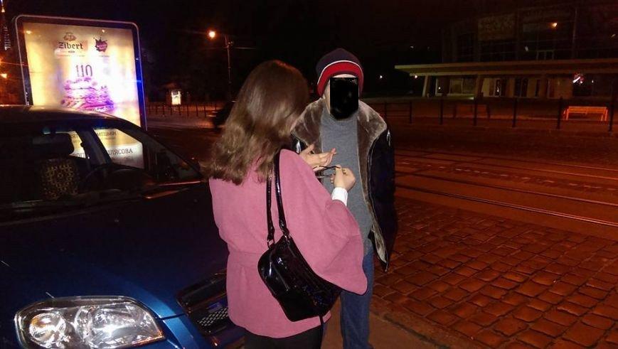У Львові на вулиці Городоцькій затримали таксиста із наркотиками (ФОТО), фото-2