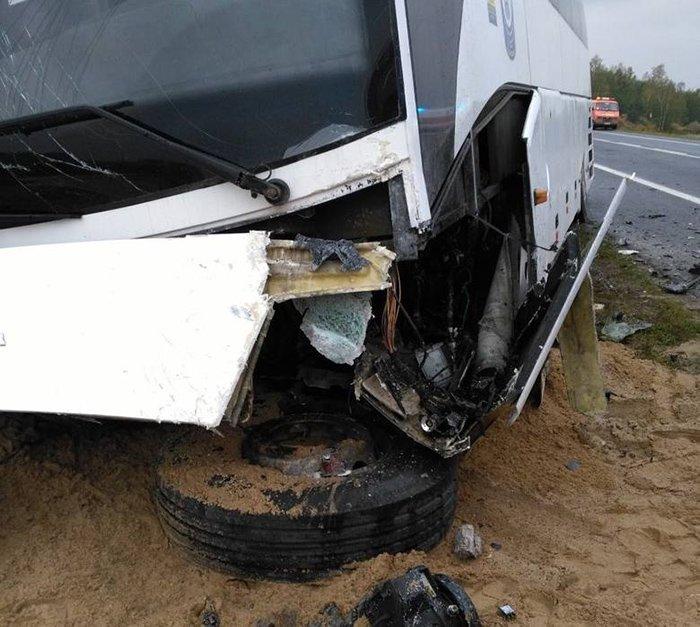 """Автобус """"Лодзь-Гродно"""" попал в аварию на польской трассе: погибли три человека, фото-1"""