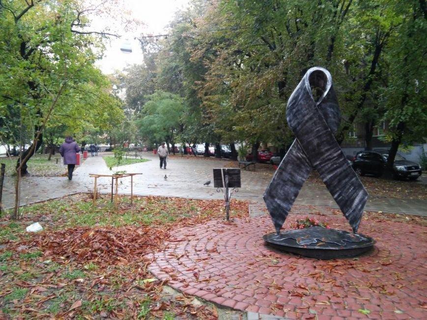 У Львові завершують облаштовувати сквер на вулиці Японській (ФОТО), фото-7