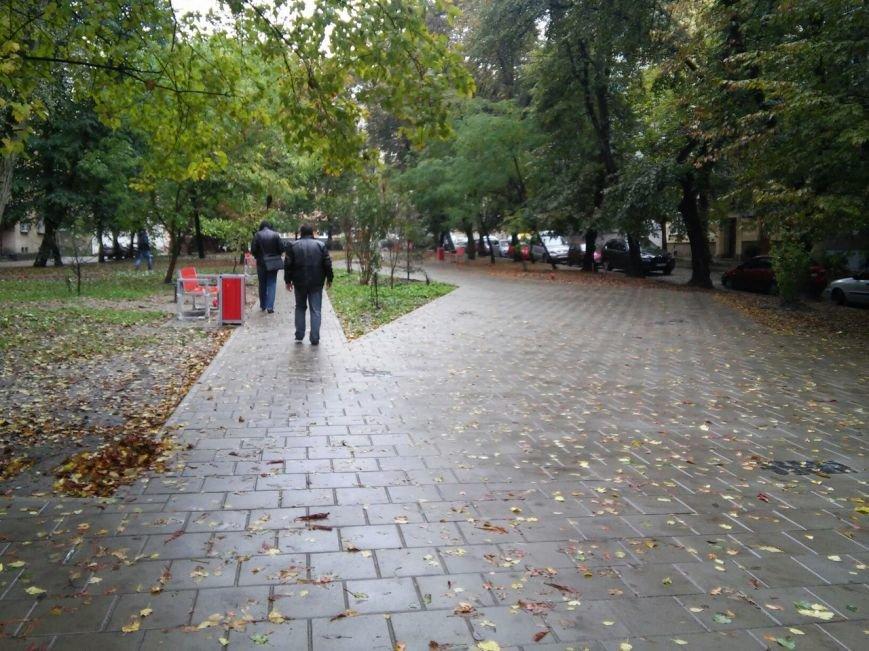 У Львові завершують облаштовувати сквер на вулиці Японській (ФОТО), фото-1