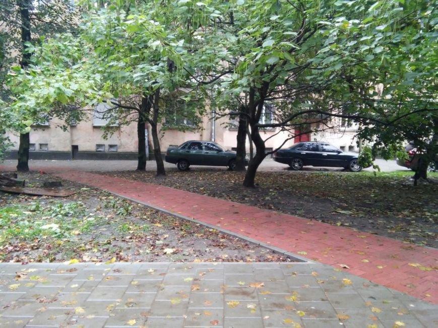 У Львові завершують облаштовувати сквер на вулиці Японській (ФОТО), фото-5