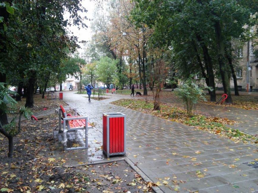 У Львові завершують облаштовувати сквер на вулиці Японській (ФОТО), фото-6
